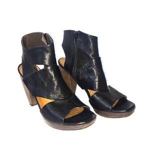 COCLICO Unicorn Black Leather Heels Sz 39 EUC